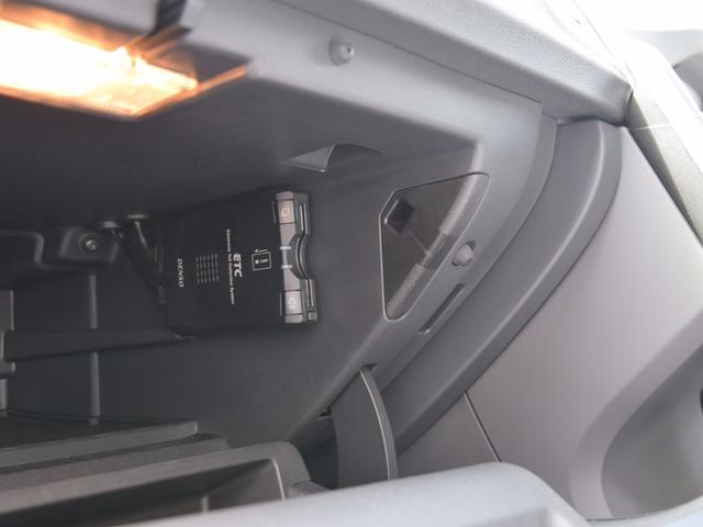ボルボ ボルボ V60 ドライブe エアストAW スタイリングPKG Bカメラ