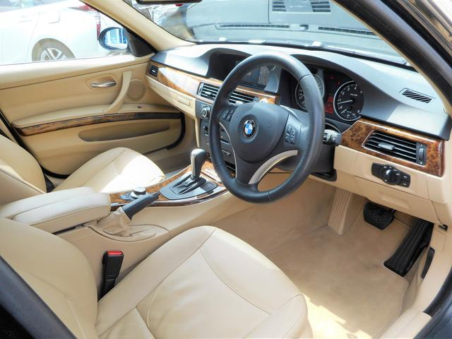 BMW BMW 335iツーリング パノラミックルーフ ベージュ革シート
