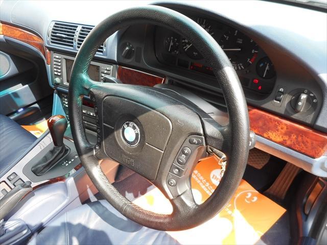 BMW BMW 530iハイラインBBS18  Individual青革