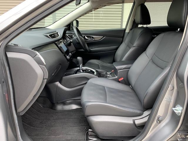 防水性前席シートはシートヒーター付き☆寒い地域にいくときにあると嬉しい装備です♪