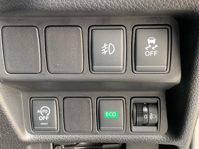 VDC(雨天時等でカーブ時や滑りやすい路面でのスリップを抑制し車両の安定性を向上させる横滑り防止装置です。)アイドリングストップ、エコモードスイッチ装備☆