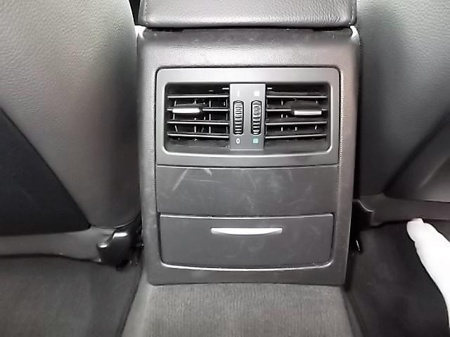 BMW BMW 320iハイライン ナビ Bモニター エンジンOIL漏修理済