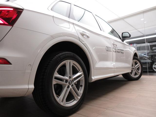 [標準装備]タイヤプレッシャーモニタリング/タイヤリペアキット/インストゥルメントパネル ブラック-ブラック/フロア ブラック/ルーフ ブラック/3ゾーンオートマチックエアコンディショナー