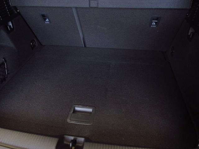 「アウディ」「Q2」「SUV・クロカン」「東京都」の中古車77