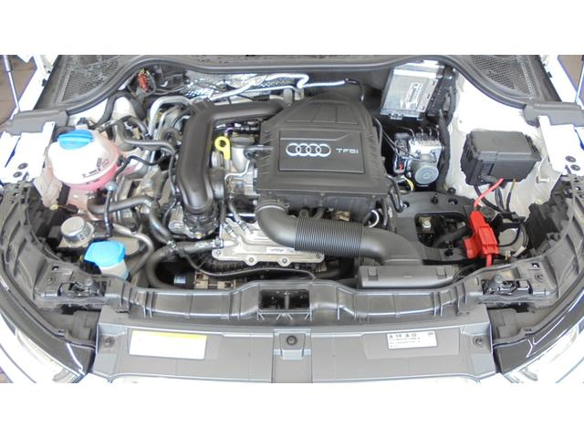 アウディ アウディ A1 1.0TFSIスポーツ レザーパッケージ 認定中古車