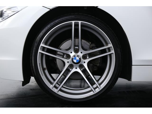 BMWパフォーマンス19インチアルミホイール装着し足元のかっこよさには惚れ惚れします!