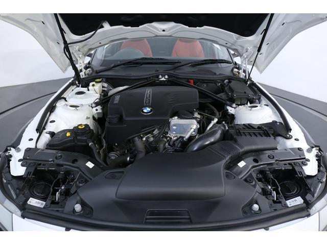 <主要諸元>2.0リッターDOHC直列4気筒ターボ、184ps/27.5kgm、全長4255×全幅1790×全高1280