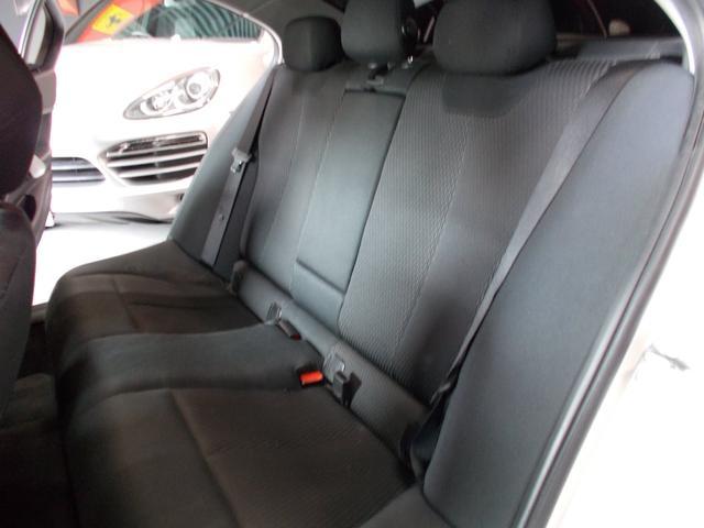 320i 2012年後期モデル ディーラー車 キセノンヘッドライト プッシュスタート 純正16インチ タイヤ8分山 純正HDDナビ 地デジフルセグテレビ バックカメラ CD録音 DVD再生 ブルートゥース(13枚目)