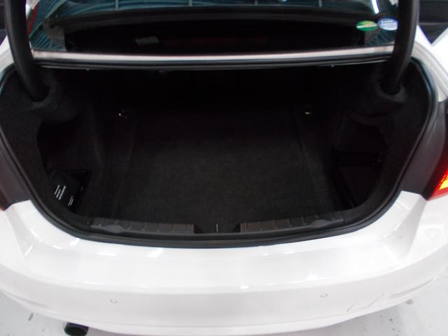 320i 2012年後期モデル ディーラー車 キセノンヘッドライト プッシュスタート 純正16インチ タイヤ8分山 純正HDDナビ 地デジフルセグテレビ バックカメラ CD録音 DVD再生 ブルートゥース(14枚目)