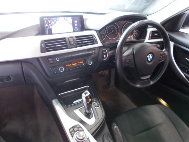 320i 2012年後期モデル ディーラー車 キセノンヘッドライト プッシュスタート 純正16インチ タイヤ8分山 純正HDDナビ 地デジフルセグテレビ バックカメラ CD録音 DVD再生 ブルートゥース(20枚目)