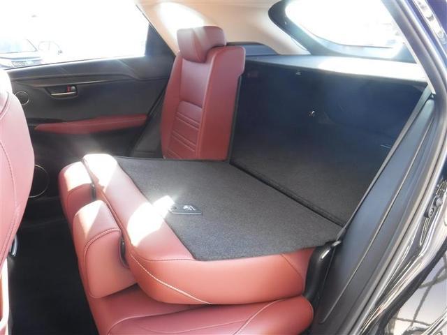 NX200t Iパッケージ 18インチアルミホイール プリクラッシュセーフティシステム パワートランクリッド ホイルロックナット リヤバンパーステップガード 認定中古車CPO(10枚目)