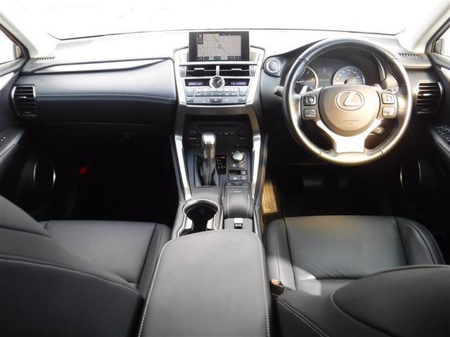 NX200t Iパッケージ ムーンルーフ 三眼フルLEDヘッドランプ 18インチアルミホイール クリアランスソナー寒冷地仕様 リヤフォグランプ オートマチックハイビーム ステアリングヒーター 運転席・助手席シートヒーター(7枚目)