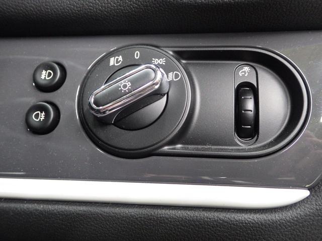 「MINI」「MINI」「SUV・クロカン」「東京都」の中古車38