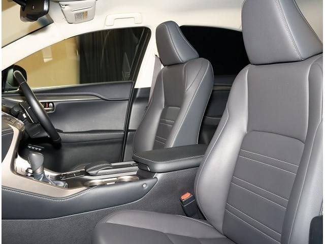 NX200t Iパッケージ 18インチアルミホイール プリクラッシュセーフティシステム 認定中古車CPO(4枚目)