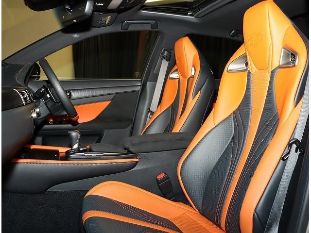 ベースグレード ムーンルーフ マークレビンソン F専用オレンジキャリパ ヘッドアップディスプレイ ブラインドスポットモニター 寒冷地仕様 セミアニリン本革 認定中古車CPO(5枚目)