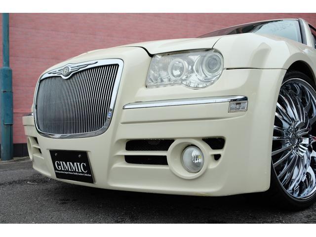 5.7HEMI 08後期モデル GIMMICモディファイキット フロントバンパーエアロ サイドステップ リアアンダーエアロ トランクスポイラー 24インチホイール GIMMICデュアルマフラー ブラックレザーシート(8枚目)