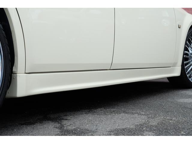 5.7HEMI 08後期モデル GIMMICモディファイキット フロントバンパーエアロ サイドステップ リアアンダーエアロ トランクスポイラー 24インチホイール GIMMICデュアルマフラー ブラックレザーシート(20枚目)