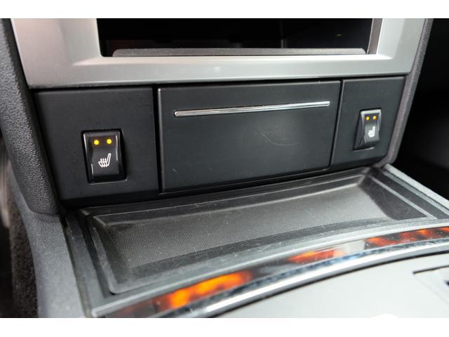 5.7HEMI 08後期モデル GIMMICモディファイキット フロントバンパーエアロ サイドステップ リアアンダーエアロ トランクスポイラー 24インチホイール GIMMICデュアルマフラー ブラックレザーシート(53枚目)