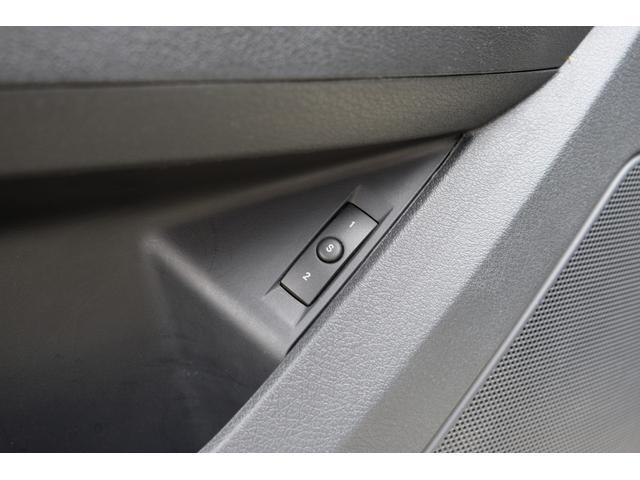 5.7HEMI 08後期モデル GIMMICモディファイキット フロントバンパーエアロ サイドステップ リアアンダーエアロ トランクスポイラー 24インチホイール GIMMICデュアルマフラー ブラックレザーシート(62枚目)