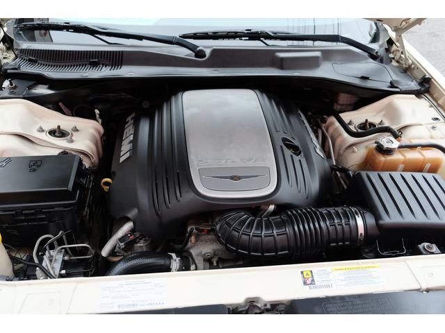 5.7HEMI 08後期モデル GIMMICモディファイキット フロントバンパーエアロ サイドステップ リアアンダーエアロ トランクスポイラー 24インチホイール GIMMICデュアルマフラー ブラックレザーシート(68枚目)