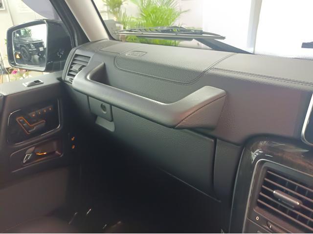 G350 ブルーテック ラグジュアリーパッケージ G63仕様バンパー ワイドフェンダー パナメリカーナタイプグリル 6×6スタイルフロントルーフスポイラー LEXANI24AW ラゲッジボード HDDナビTV ブラックレザー(43枚目)
