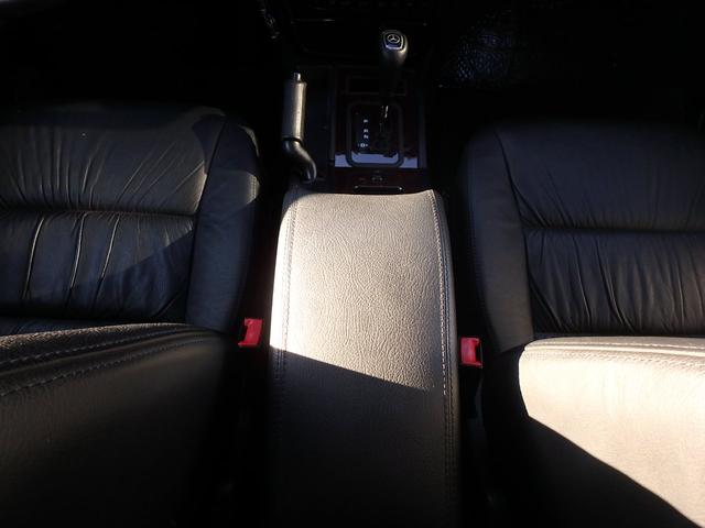 G320S本革・サンルーフ(11枚目)