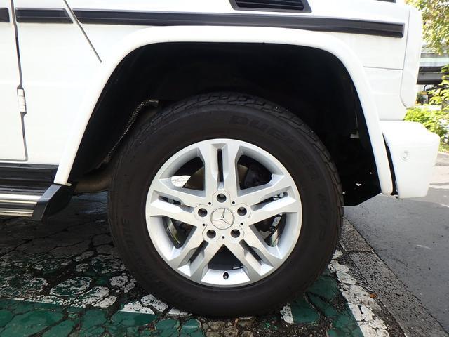 右フロントタイヤ