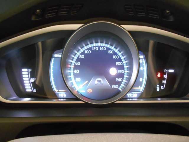 ボルボ ボルボ V40 T3 モメンタム 1.5リッターガソリンターボエンジン