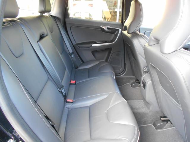 「ボルボ」「ボルボ XC60」「SUV・クロカン」「千葉県」の中古車13