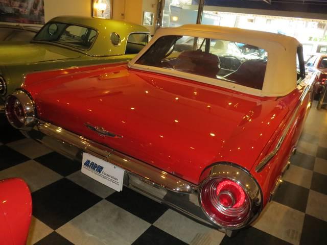 「フォード」「フォード サンダーバード」「オープンカー」「東京都」の中古車22