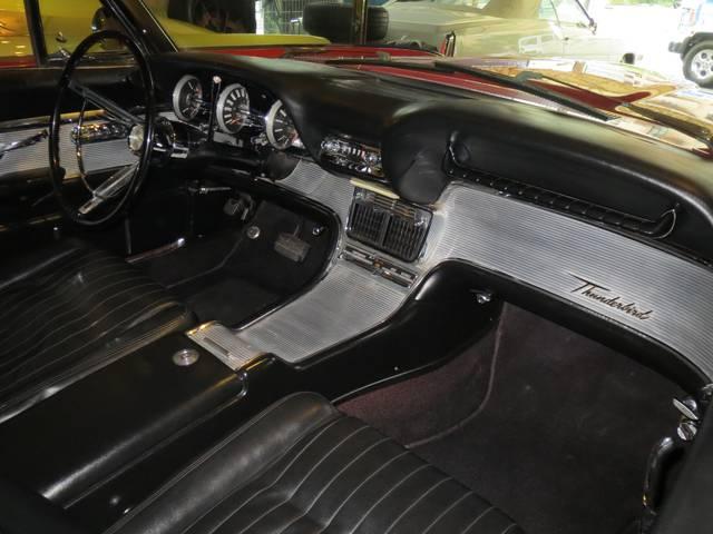 「フォード」「フォード サンダーバード」「オープンカー」「東京都」の中古車26