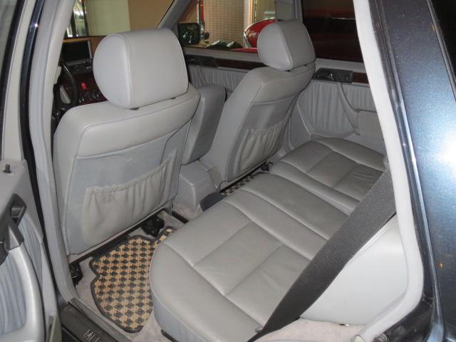 メルセデス・ベンツ M・ベンツ E320リミテッド AT OH済み D車 AMGエアロ