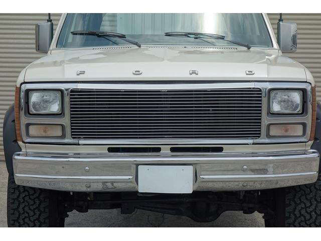 フォード フォード ブロンコ XLT
