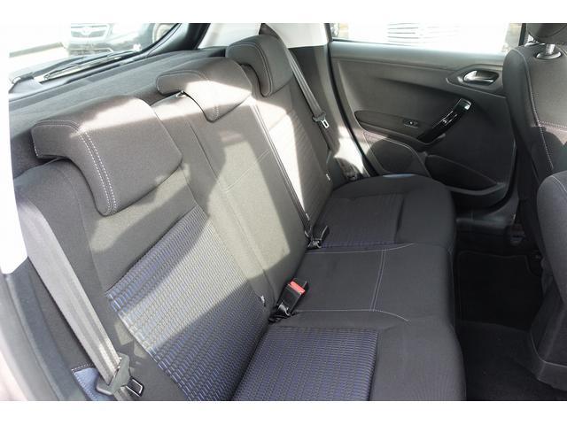 プレミアム ワンオーナー オートライト クルーズコントロール スピードリミッター ETC 純正オーディオ Bluetooth 純正16インチAW 禁煙車(14枚目)
