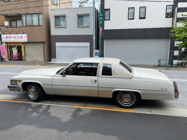 「キャデラック」「キャデラックデビル」「セダン」「東京都」の中古車52