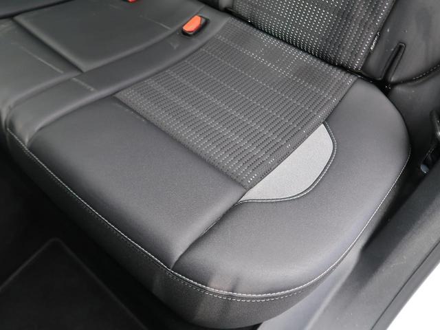 ●後席左側シートの使用感:破れ・へたりもなく、ご覧の通りきれいな状態を維持しております。また、室内クリーニング・コーティングもご用命いただけます