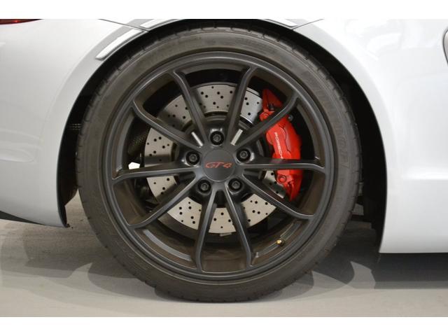 GT4 ライトデザインパッケージ スポーツクロノパッケージ ブラックスムースレザーステアリングリム(6枚目)