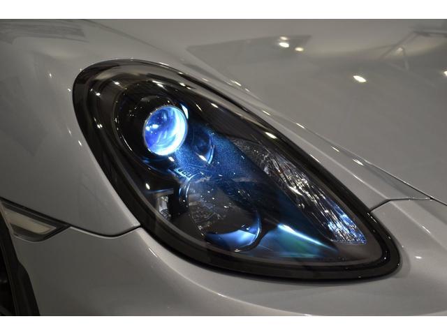 GT4 ライトデザインパッケージ スポーツクロノパッケージ ブラックスムースレザーステアリングリム(10枚目)