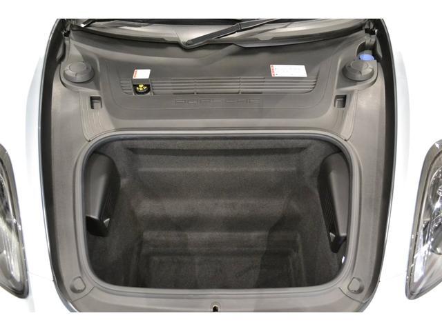 GT4 ライトデザインパッケージ スポーツクロノパッケージ ブラックスムースレザーステアリングリム(11枚目)