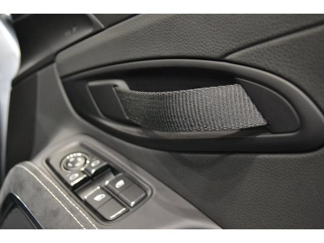 GT4 ライトデザインパッケージ スポーツクロノパッケージ ブラックスムースレザーステアリングリム(15枚目)