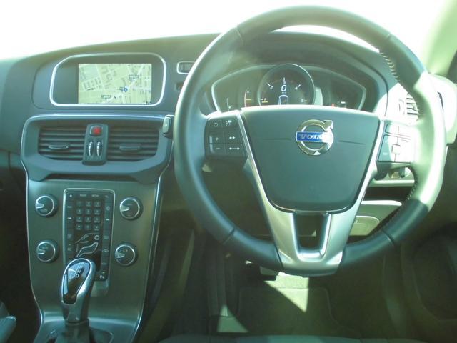 運転席周り。各機能を見やすく使いやすくレイアウト。