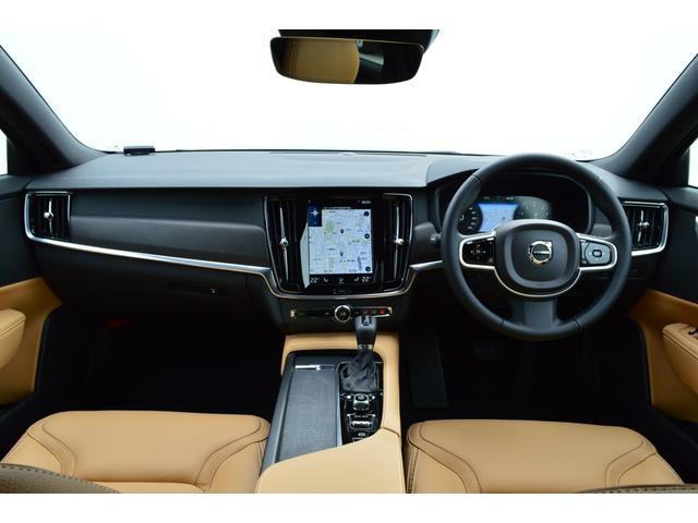 クロスカントリー T5 AWD モメンタム 登録済み未使用車(4枚目)