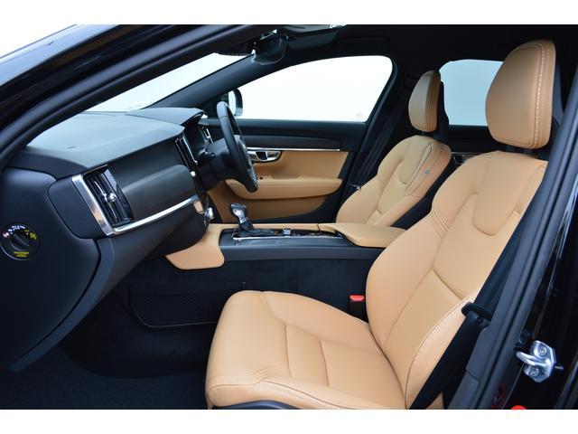 クロスカントリー T5 AWD モメンタム 登録済み未使用車(5枚目)