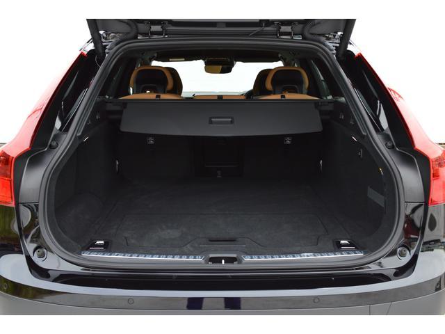クロスカントリー T5 AWD モメンタム 登録済み未使用車(16枚目)