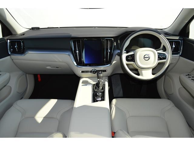 クロスカントリーT5AWD 登録済未使用車 2020年モデル(4枚目)