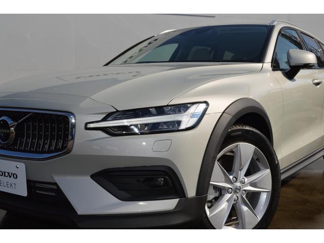 クロスカントリーT5AWD 登録済未使用車 2020年モデル(8枚目)