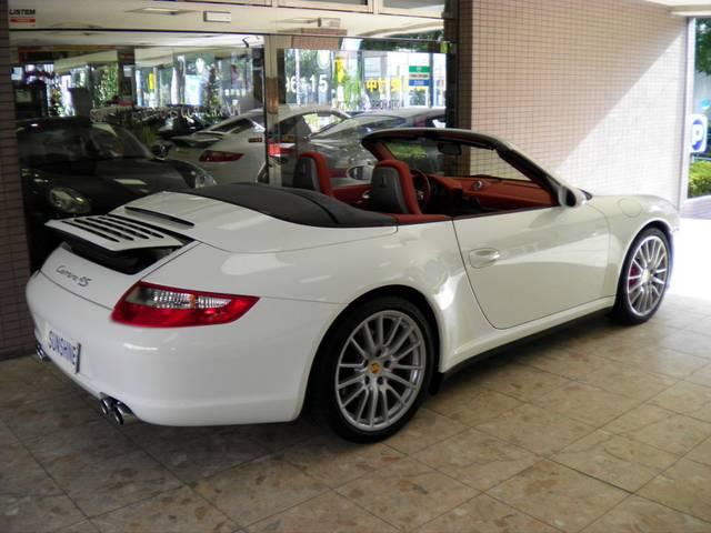 正規ディーラー車、正規ディーラー整備記録簿付です。新車時メーカーオプション220万円相当付です。詳しくは弊社ホームページをご覧くださいませ。http://www.sunshine-m.co.jp