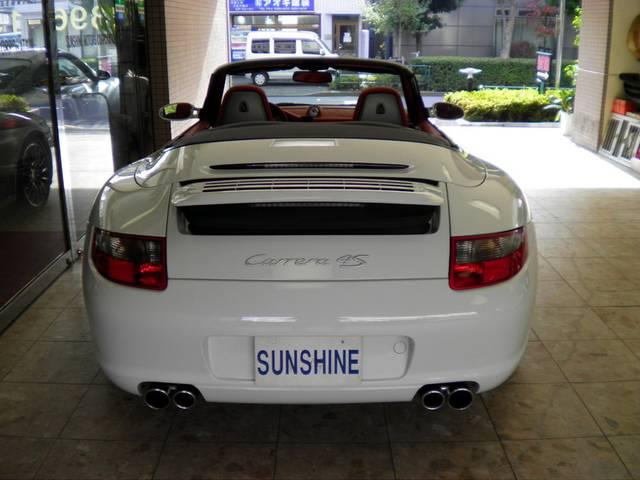 純正オプションスポーツエグゾーストマフラー付です。新車時メーカーオプション220万円相当付です。詳しくは弊社ホームページをご覧くださいませ。http://www.sunshine-m.co.jp