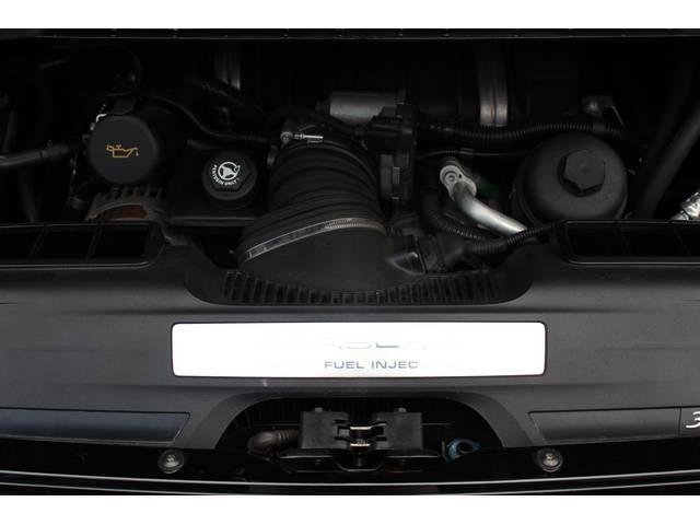 エンジンは直噴水冷フラットシックス3.6Lです。