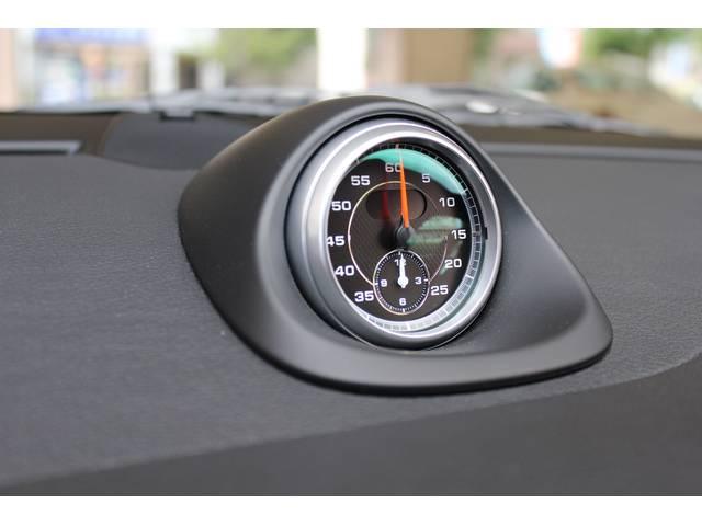 新車時メーカーオプションのスポーツクロノパッケージ装着車です。